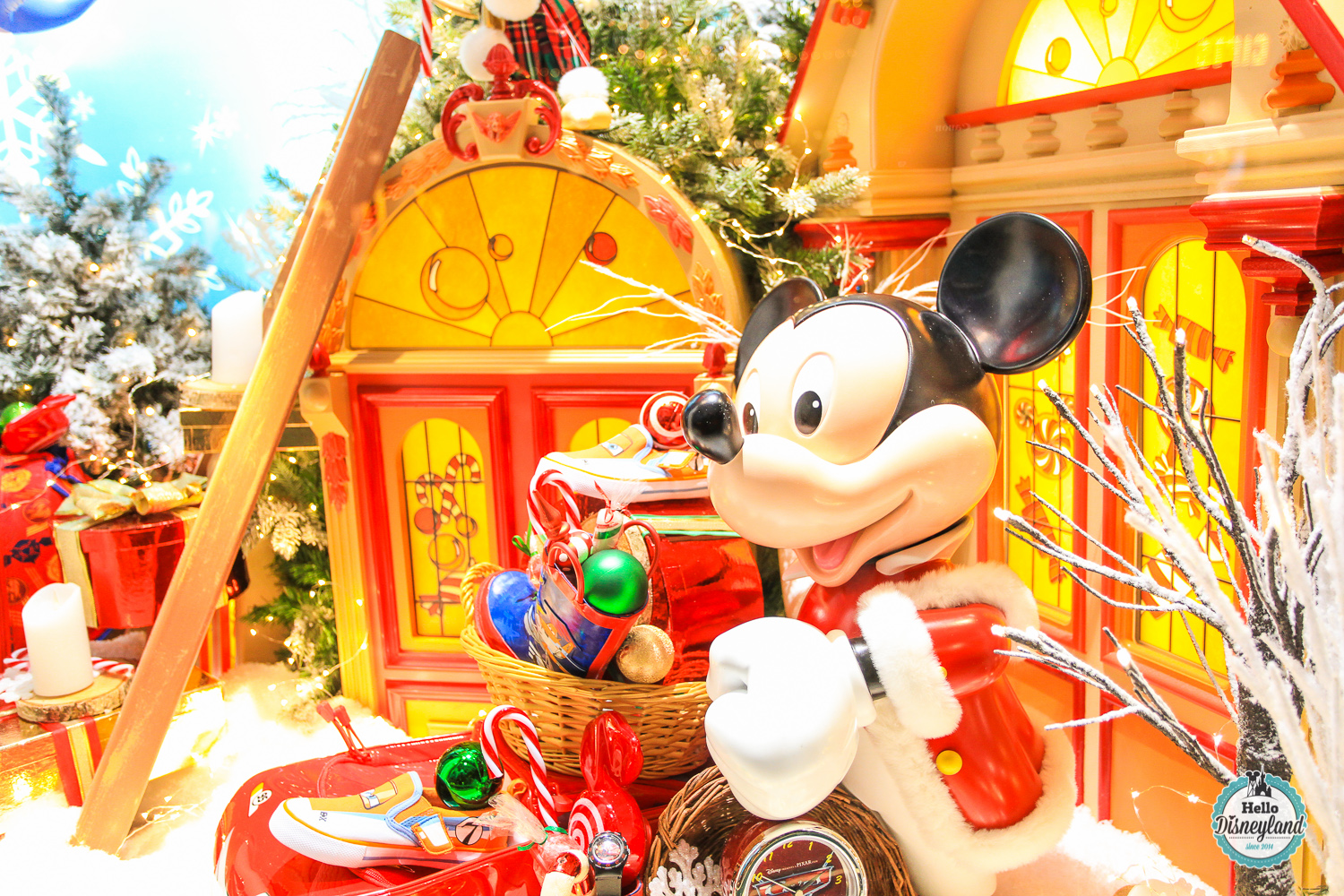 disneyland essay Now that i'm actually here, the disneyland metaphor is proving impossible to  shake for that matter, rodeo drive comes frequently to mind,.