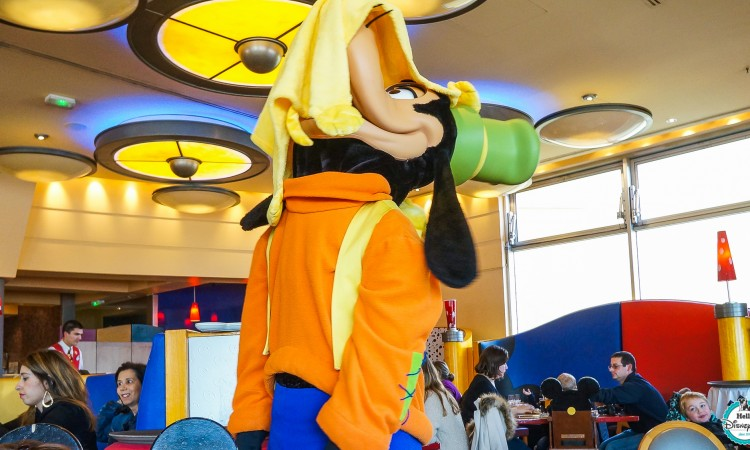 Cafe Mickey - Disneyland Paris Restaurants Personnages