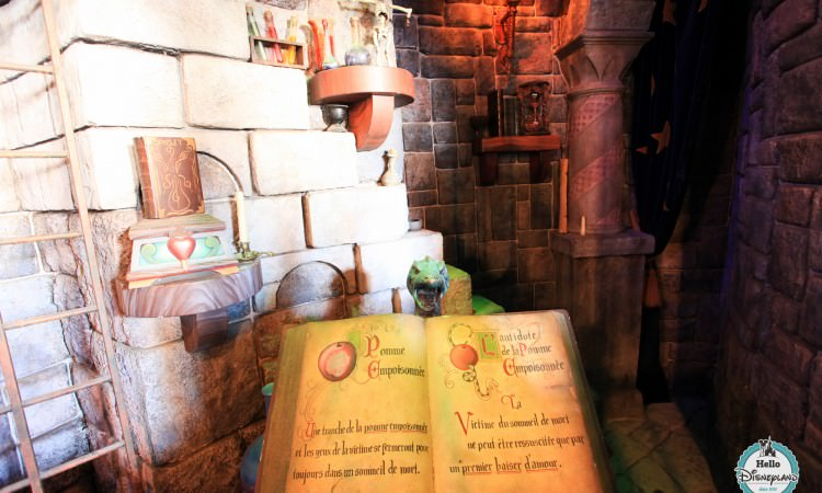 attraction Blanche Neige Disneyland Paris