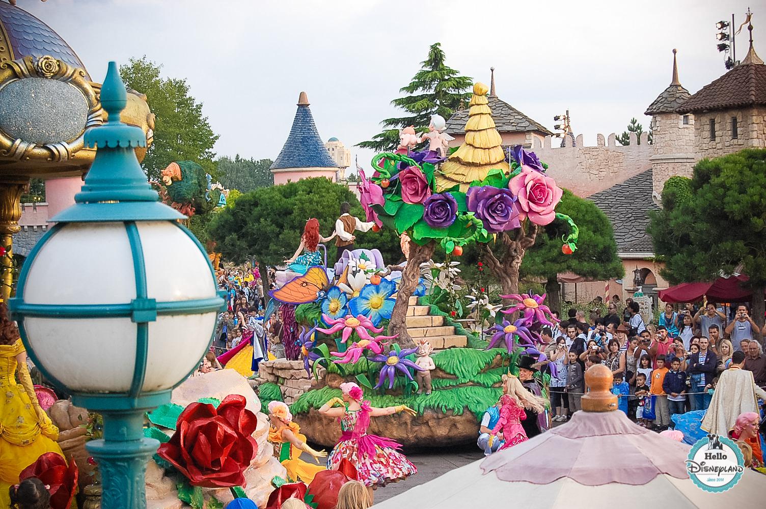 Disney Once Upon a Dream Parade - Disneyland Paris -36