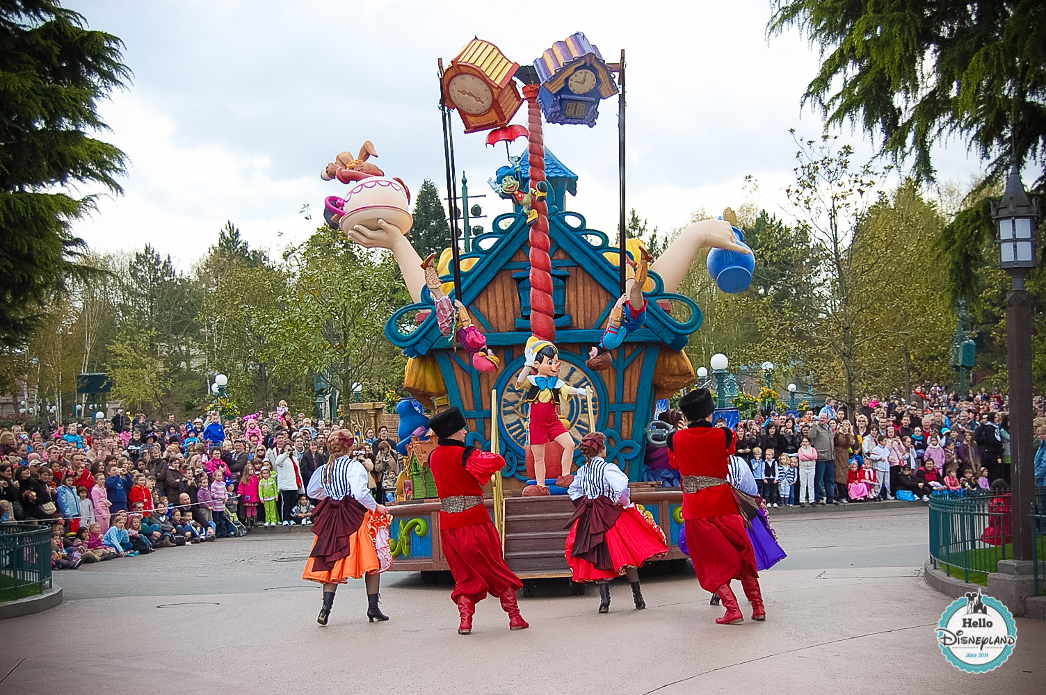 Disney Once Upon a Dream Parade - Disneyland Paris -5