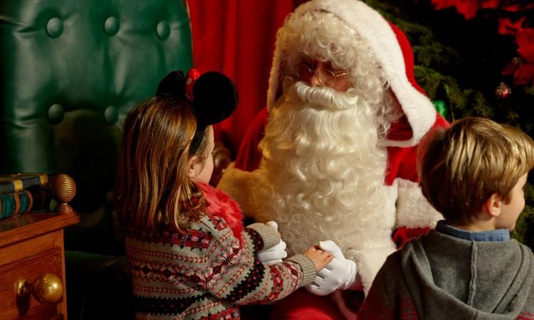 Le Réveillon de Noël et le Réveillon du Nouvel An à Disneyland Paris