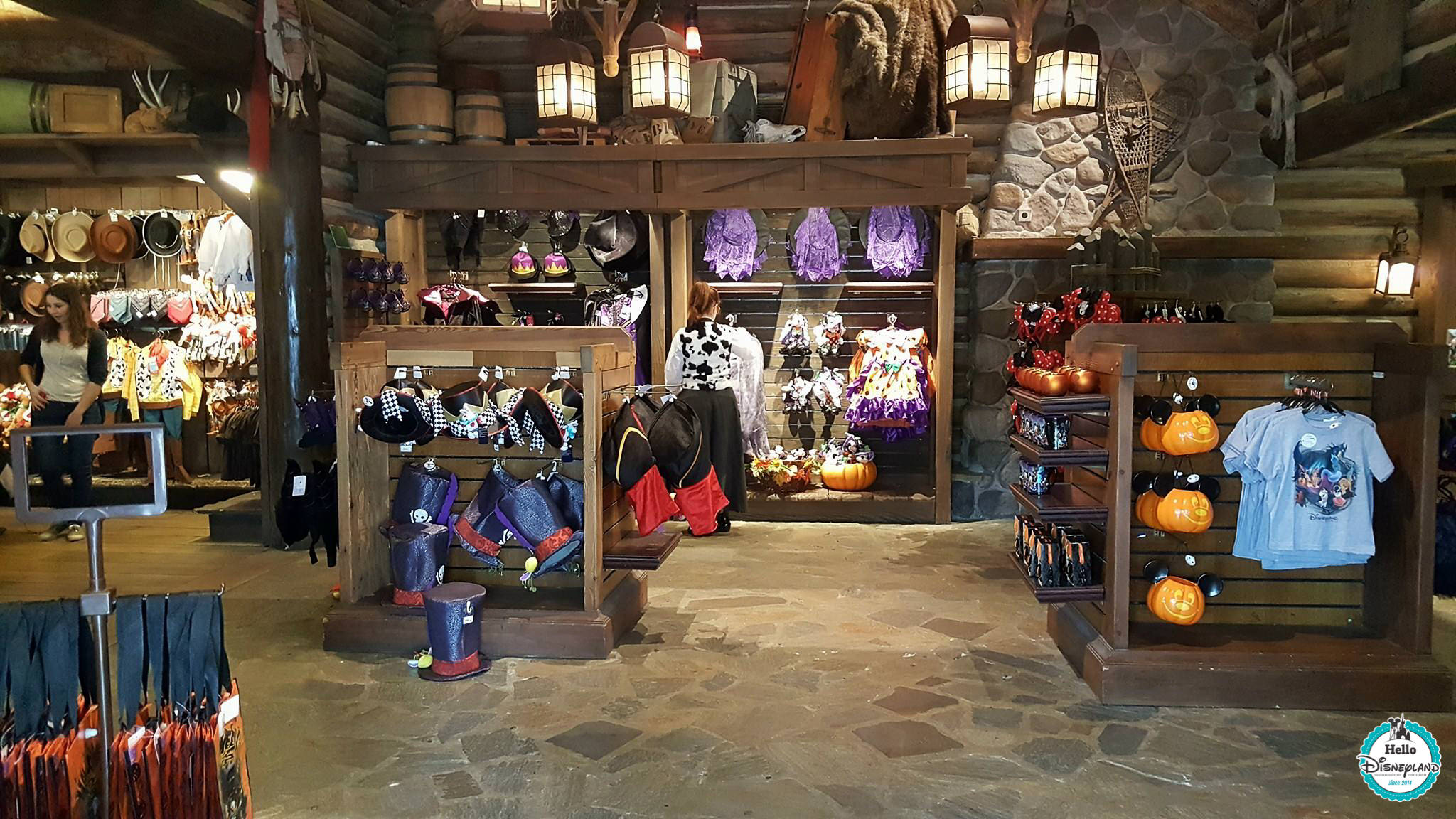 mall as disneyland Disney shopping mall – disney shopping discounts last update: 8/8/18 if you want to find disney shopping discounts or learn to save on almost anything disney, this is the place.