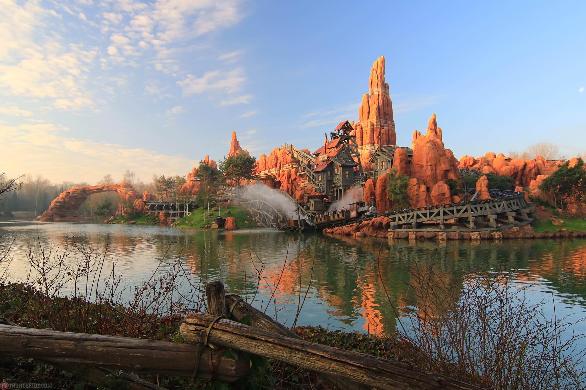 Big Thunder Mountain Disneyland Paris 2016