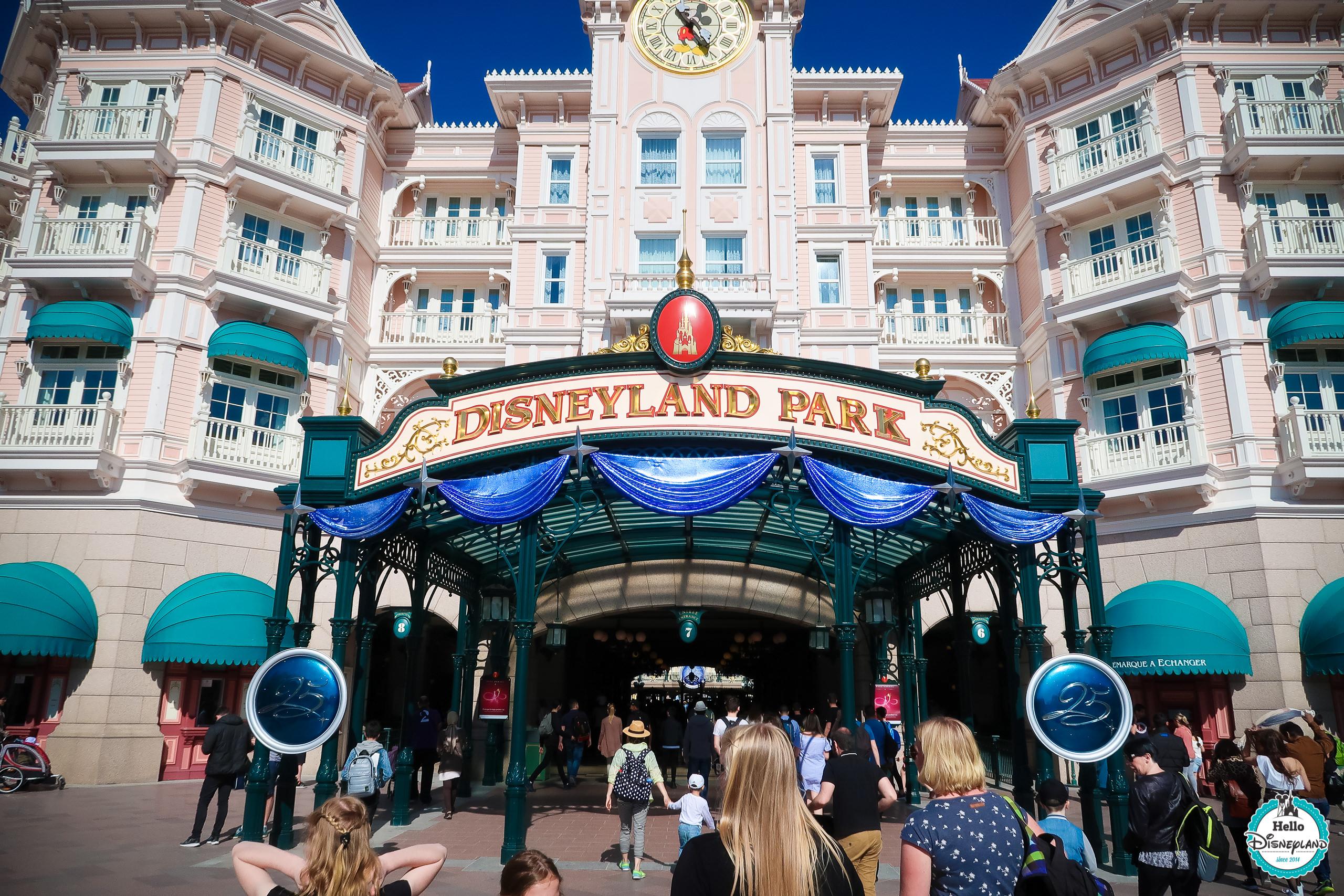 Les 25 Ans De Disneyland Paris En Images Hello