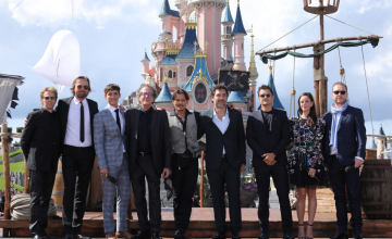 Tapis rouge : Johnny Depp et l'équipe de Pirates des Caraïbes 5 à Disneyland Paris