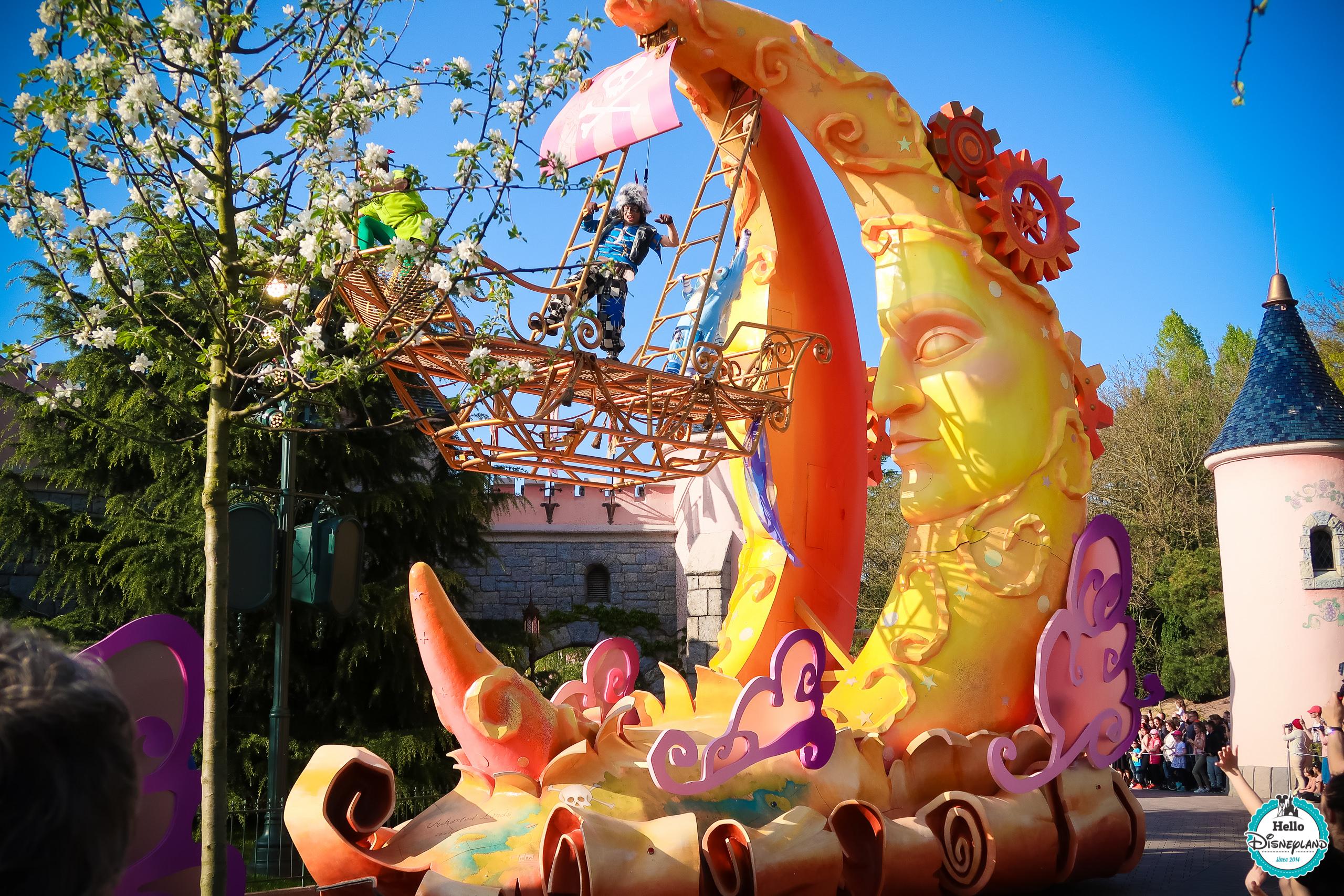 Disney stars on Parade Disneyland Paris 25th