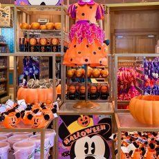 shopping halloween disneyland paris